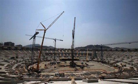 A view of the renovations of the Maracana Stadium for the 2014 World Cup in Rio de Janeiro October 30, 2012. REUTERS/Sergio Moraes