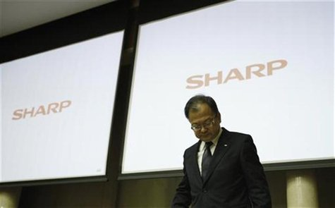 Sharp Corp's President Takashi Okuda attends a news conference in Tokyo November 1, 2012. REUTERS/Issei Kato