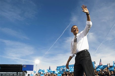 President Barack Obama arrives at a campaign rally at the College of Southern Nevada in North Las Vegas, Nevada November 1, 2012. REUTERS/La