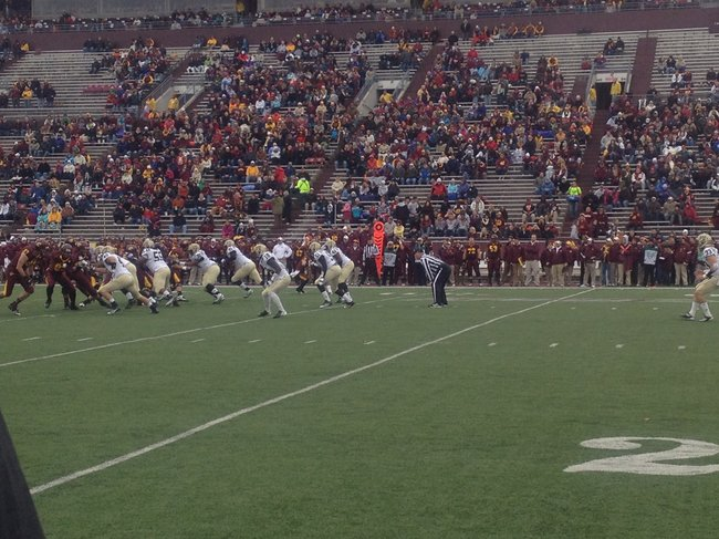 Broncos keep CMU off the board with a FG block in the 1st quarter. WMU @ CMU 11/3/12