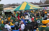 Y100 Tailgate Party at Brett Favre's Steakhouse :: Packers vs. Cardinals 27