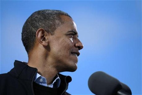 U.S. President Barack Obama is pictured at an election campaign rally in Concord, New Hampshire, November 4, 2012. REUTERS/Jason Reed