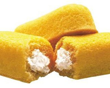 Hostess Twinkies are pictured in this undated handout photo obtained by Reuters November 14, 2012. Hostess Brands Inc said it will ask a U.S. bankruptcy judge for permission to liquidate if enough striking workers do not return to work by the end of November 15 to let the maker of Twinkies and Wonder Bread resume normal operations.  REUTERS/INTERSTATE BAKERIES CORPORATION/Handout