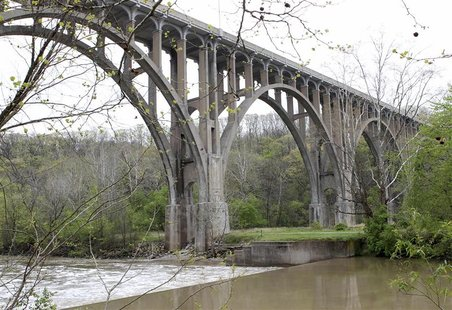 The Brecksville-Northfield High Level Bridge is seen near Brecksville, Ohio, in this May 1, 2012 file photo. REUTERS/Aaron Josefczyk/Files