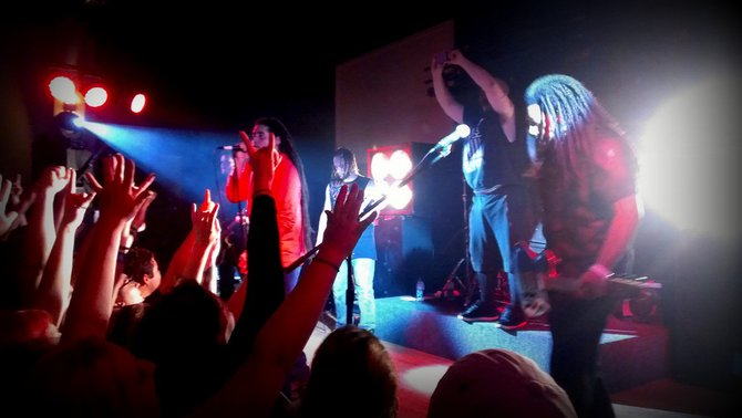 This pic that Leah Langreck grabbed is at the exact moment that Nonpoint took a shot of the crowd that they shared on their Facebook page...pretty sweet...