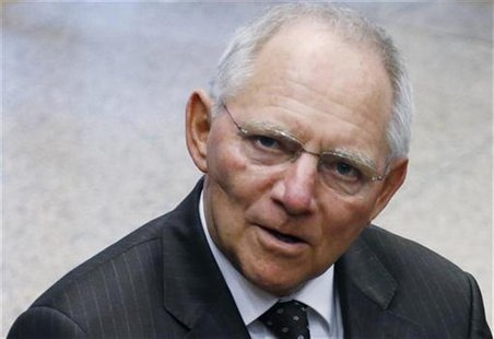 Germany's Finance Minister Wolfgang Schaeuble arrives at a euro zone finance ministers meeting in Brussels November 26, 2012. REUTERS/Franco