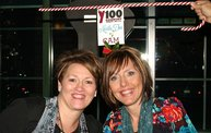 Y100 Mistletoe Cam @ Martina McBride's Joy of Christmas 19