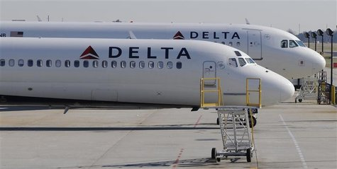 A Delta Airlines MD-88 (foreground) with Airbus A320 (background) at Hartsfield-Jackson International Airport in Atlanta , Georgia, December