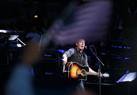 Bruce Springsteen performs for U.S. President Barack Obama at an election campaign rally in Columbus, Ohio, November 5, 2012, on the eve of