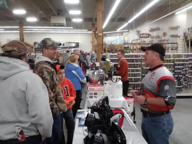 Free fishing seminars from the Pros who know Ice Fishing!