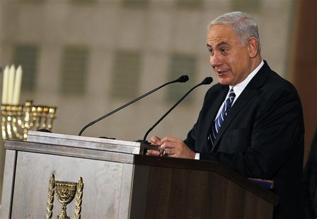 Israel's Prime Minister Benjamin Netanyahu addresses the foreign media in Jerusalem December 10, 2012. REUTERS/Amir Cohen