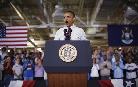U.S. President Barack Obama delivers remarks after his tour of the Daimler Detroit Diesel plant in Redford, Michigan, December 10, 2012. REU