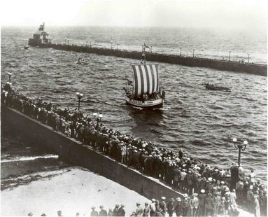 Viking Ship arrives in Duluth harbor 1927