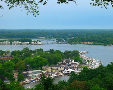 Kalamazoo Lake (photo courtesy Saugatuck/Douglas Convention and Visitors Bureau)
