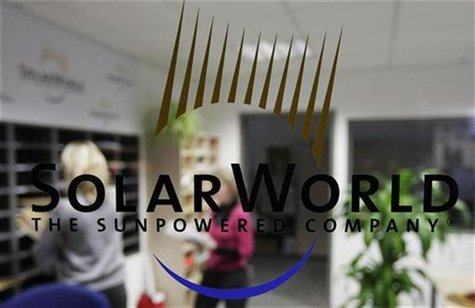 The logo of SolarWorld AG is pictured at the reception in a plant in Freiberg near Dresden December 17, 2008. REUTERS/Hannibal Hanschke