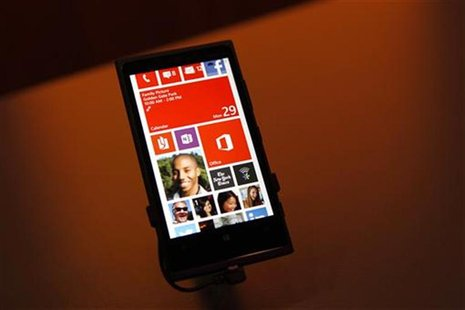 A Nokia Lumia 920 featuring Windows Phone 8 is displayed during an event in San Francisco, California October 29, 2012. REUTERS/Robert Galbr
