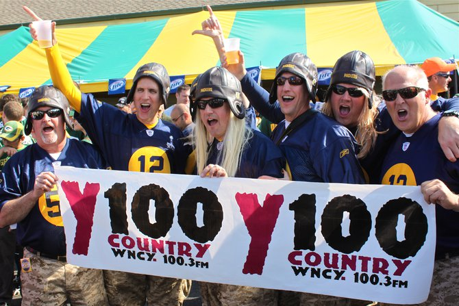 Y100 tailgate party