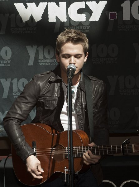 Hunter Hayes at Y100