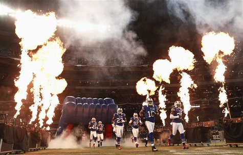 The Buffalo Bills take the field before their NFL football game against the Seattle Seahawks in Toronto, December 16, 2012. REUTERS/Mark Bli
