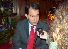 Governor Scott Walker talking with Wisconsin Radio Network correspondent Jackie Johnson
