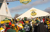 Y100 Tailgate Party at Brett Favre's Steakhouse :: Packers vs. Titans 6