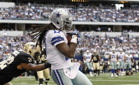 Dallas Cowboys wide receiver Dwayne Harris (R) makes a touchdown catch in front of New Orleans Saints corner back Johnny Patrick in the seco
