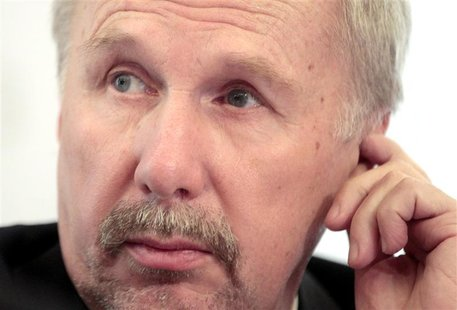 Austrian National Bank (OeNB) Ewald Nowotny reacts as he briefs the media during a news conference in Vienna December 7, 2012. REUTERS/Herwi