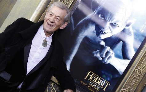 "Cast member Ian McKellen arrives for the premiere of the movie ""The Hobbit: An Unexpected Journey"" in New York December 6, 2012. REUTERS/Car"
