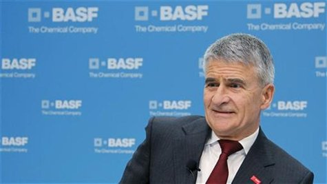 Juergen Hambrecht, former CEO of German chemical company BASF, attends the annual news conference in Ludwigshafen February 25, 2010. REUTERS