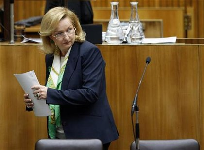 Austrian Finance Minister Maria Fekter arrives to present the 2013 budget in the parliament in Vienna October 16, 2012. REUTERS/Leonhard Foe