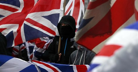 Loyalist protesters demonstrate against restrictions on flying Britain's union flag from Belfast City Hall in central Belfast January 5, 201