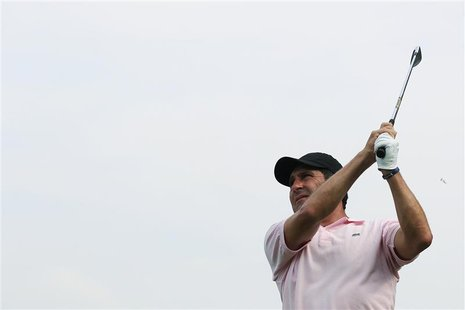 Jose Maria Olazabal of Spain tees off on the second hole during the first day of the Hong Kong Open golf tournament November 15, 2012. REUTE