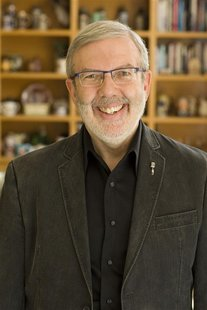 Author and film critic Leonard Maltin is pictured in this undated handout photo. REUTERS/Becky Sapp