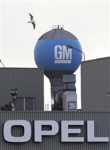 The logo of General Motors' Opel AG Belgian unit is pictured at its assembly plant in Antwerp November 5, 2009. REUTERS/Francois Lenoir