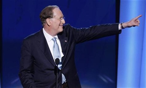 Senator Jay Rockefeller (D-WV) gestures at the podium of the 2008 Democratic National Convention in Denver, Colorado, August 27, 2008. REUTE