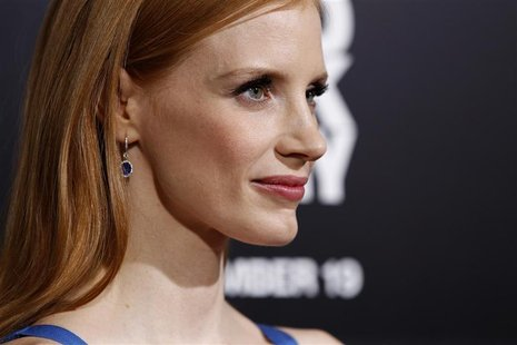 "Cast member Jessica Chastain poses at the premiere of ""Zero Dark Thirty"" at the Dolby theatre in Hollywood, California December 10, 2012. RE"