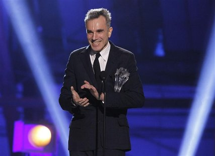 "Daniel Day-Lewis accepts the ""Best Actor"" award for ""Lincoln"" at the 2013 Critics' Choice Awards in Santa Monica, California, January 10, 20"