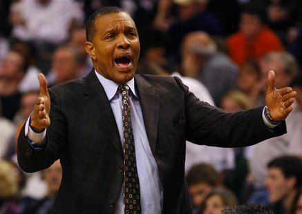 Phoenix Suns head coach Alvin Gentry directs his team against the Boston Celtics in the second quarter of their NBA basketball game in Bosto