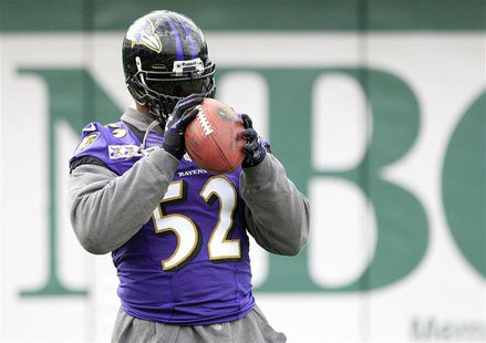 Baltimore Ravens inside linebacker Ray Lewis (52) warms up during a NFL Super Bowl XLVII football practice in New Orleans, Louisiana January