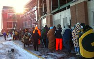 Fans Froze in Line for Donald Driver Retirement Ceremony Tickets 4