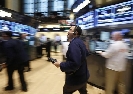 Traders work on the floor of the New York Stock Exchange, February 1, 2013. REUTERS/Brendan McDermid
