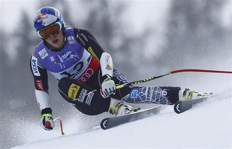 Lindsey Vonn of the U.S. skis during the women's Super G race at the World Alpine Skiing Championships in Schladming February 5, 2013. REUTE