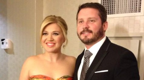 Image courtesy of Courtesy Kelly Clarkson via Twitter (via ABC News Radio)
