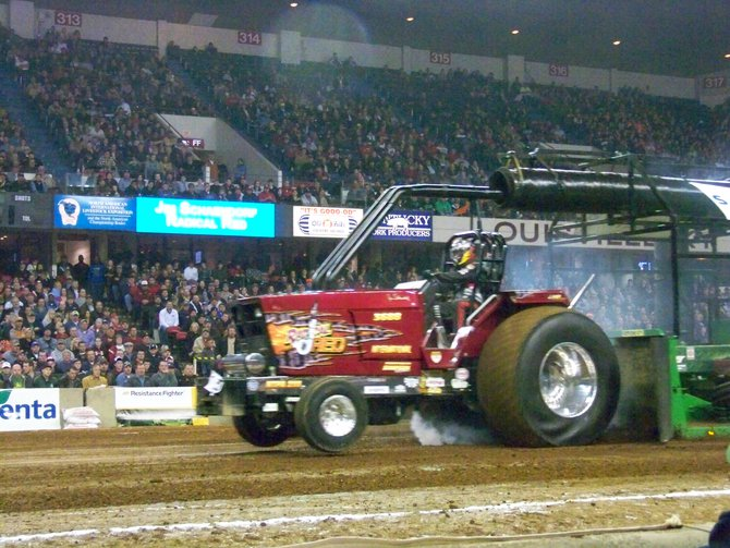 2013 NFMS Championship Tractor Pull in