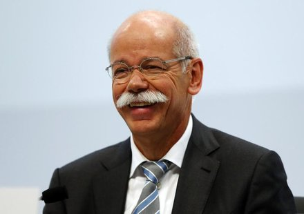 Daimler AG Chief Executive Dieter Zetsche smiles during the company's annual news conference in Stuttgart February 7, 2013. REUTERS/Michael