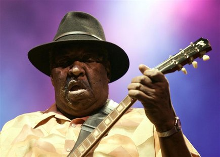 Jazz musician Magic Slim of the U.S performs during the Pontevedra Jazz Festival in northwestern Spain in this July 25, 2007, file photo. RE