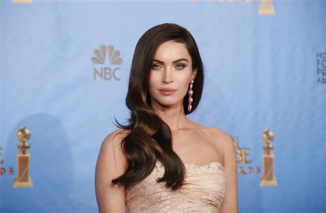 Presenter Megan Fox poses backstage at the 70th annual Golden Globe Awards in Beverly Hills, California, January 13, 2013. REUTERS/Lucy Nich