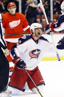 Vinny Prospal celebrates after scoring with 24.7 seconds to give the Blue Jackets a 3-2 win over the Red Wings