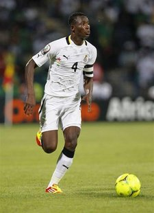 Ghana's John Paintsil runs with the ball during their African Nations Cup Group D soccer match against Mali in Franceville Stadium January 2