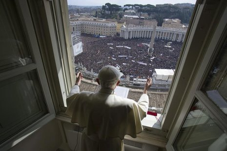 Pope Benedict XVI leads his last Angelus prayer before stepping down in Saint Peter's Square at the Vatican February 24, 2013. REUTERS/Osser